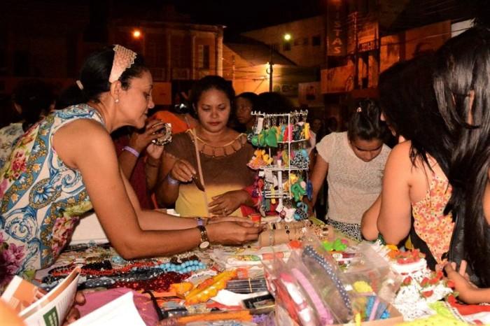 Mulheres na feira 2- Arquivo Centro Feminista